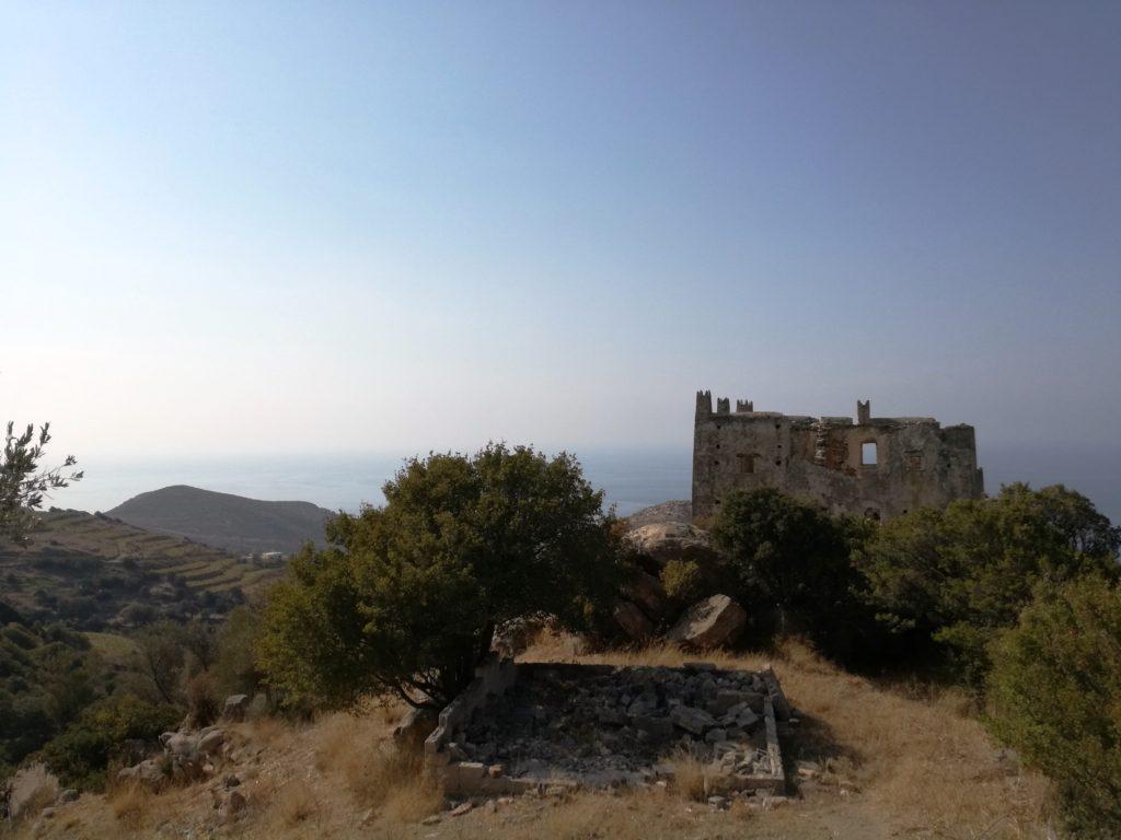 entroterra di Naxos : torre di Agia